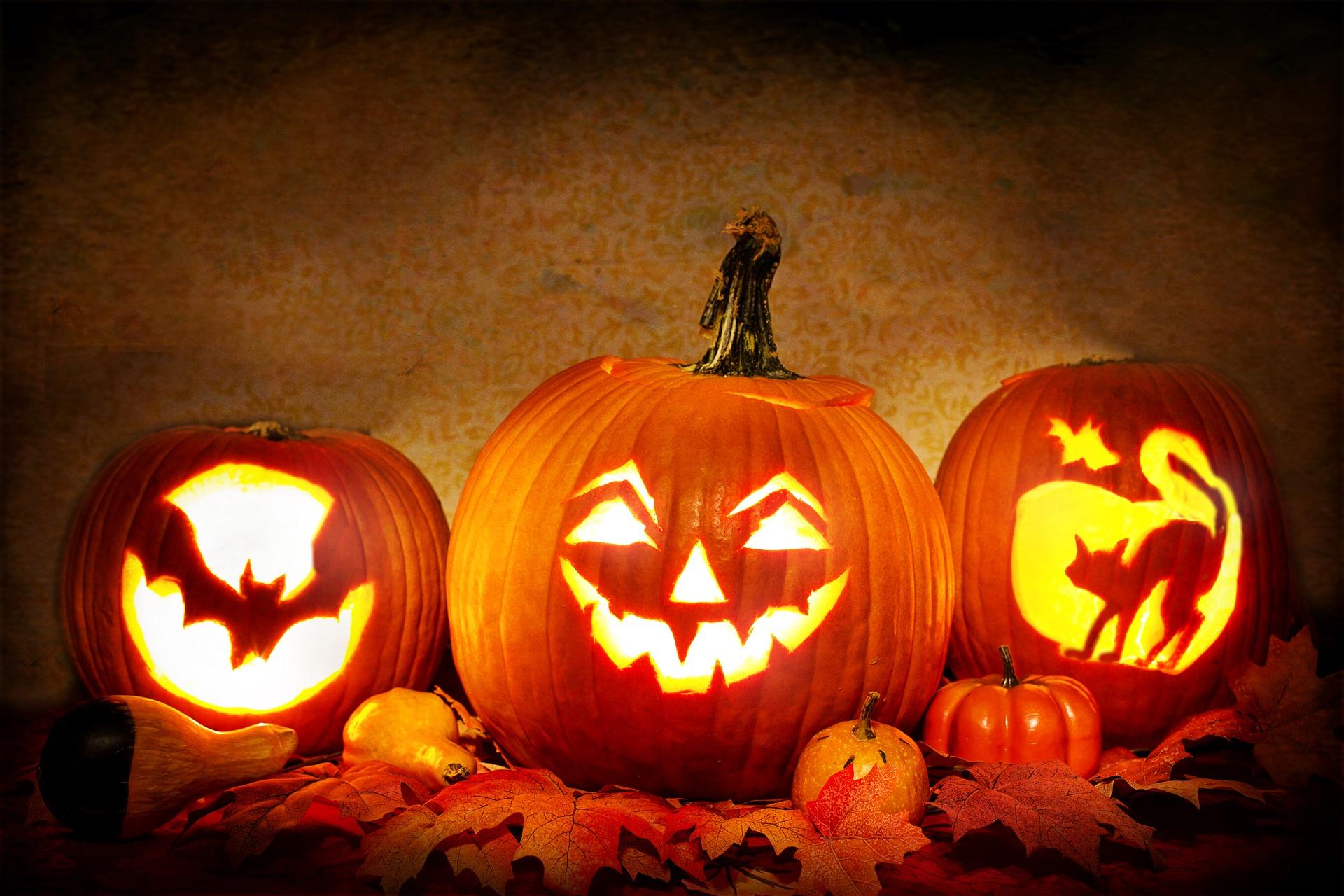 Halloween im Hallenbad